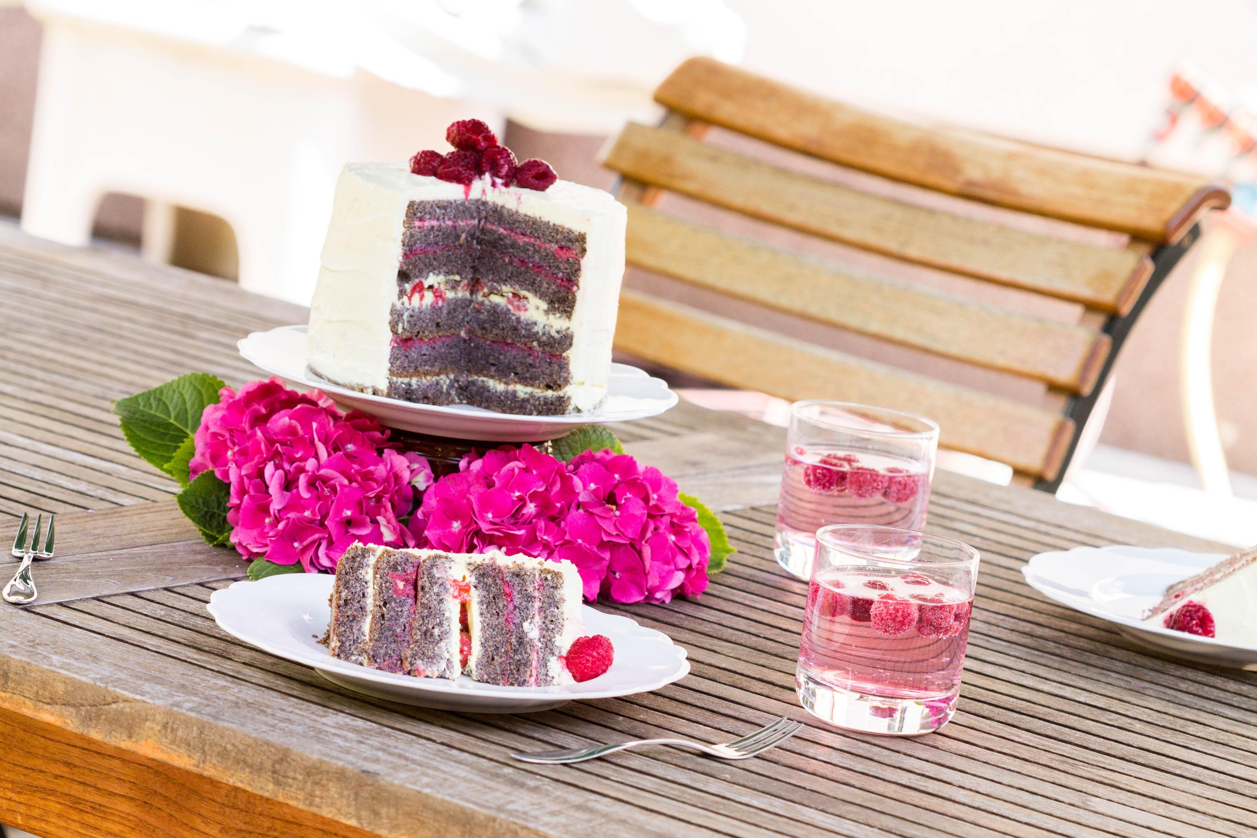 FAIBLE_Lemon-Poppyseed-Cake with Raspberries_lchf_8